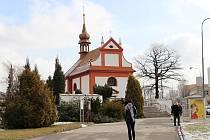 S úpravami stromů a keřů se počítá rovněž na hřbitově v Horní ulici a v jeho okolí.