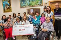 Horolezec Radek Jaroš mohl díky aplikaci Pomáhej pohybem věnovat charitativní organizaci Centrum Zdislava padesát tisíc korun.