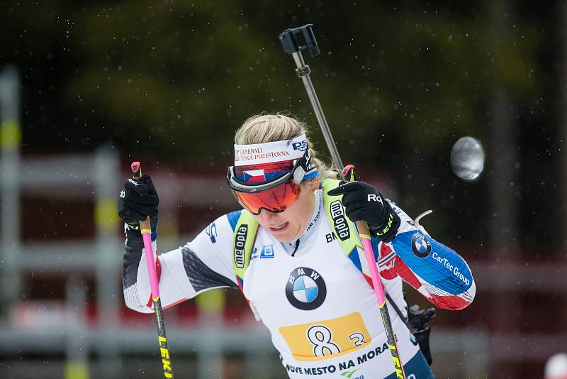 Závod SP v biatlonu (štafeta ženy 4 x 6 km) v Novém Městě na Moravě. Na snímku: Lucie Charvátová.
