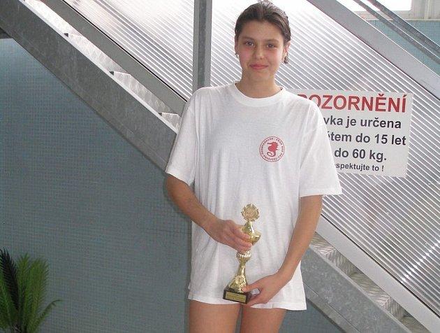 Závodníci plaveckého oddílu Čochtan posbírali osmnáct medailí.