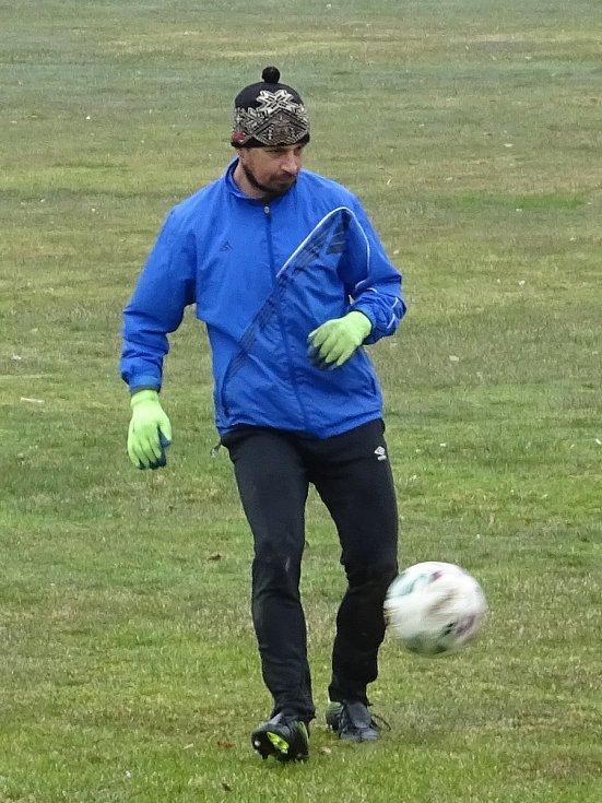 Už druhý týden mají fotbalisté Nové Vsi společné tréninky.