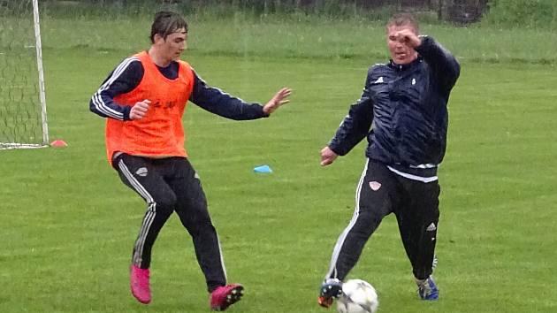Jako jedni z prvních zahájili společné tréninky hráči třetiligového Nového Města na Moravě.