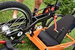 Na žďárském Piláku je možné si zapůjčit dětský handbike.