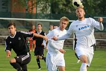 Stoper Ondřej Berky (vpravo) dal ve středu gól svému mateřskému týmu. Společně se svým parťákem z obrany Romanem Turkem (vlevo) se navíc přičinil o to, že Žďár na domácím hřišti ještě v této sezoně neinkasoval.