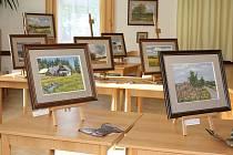 Stalo se již tradicí, že doba letních prázdnin v obci Fryšava pod Žákovou horou na Novoměstsku je nedílně spojena s díly malířky Heleny Puchýřové a keramičky Ladislavy Břečkové.
