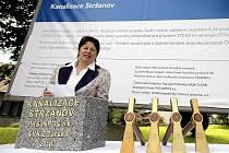 Středečním poklepáním základního kamene byla ve Stržanově, místní části Žďáru nad Sázavou, zahájena výstavba kanalizace. Slavnostního aktu se zúčastnili zástupci okresního města, dodavatelské žďárské firmy PKS i stavebního dozoru.