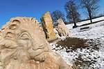 Betonové skulptury žďárského umělce Michala Olšiaka jsou rozsety po celé republice. Jejich největší koncentrace je ale na jeho rodné Vysočině. Na snímku Hraniční kámen u Žďáru nad Sázavou.