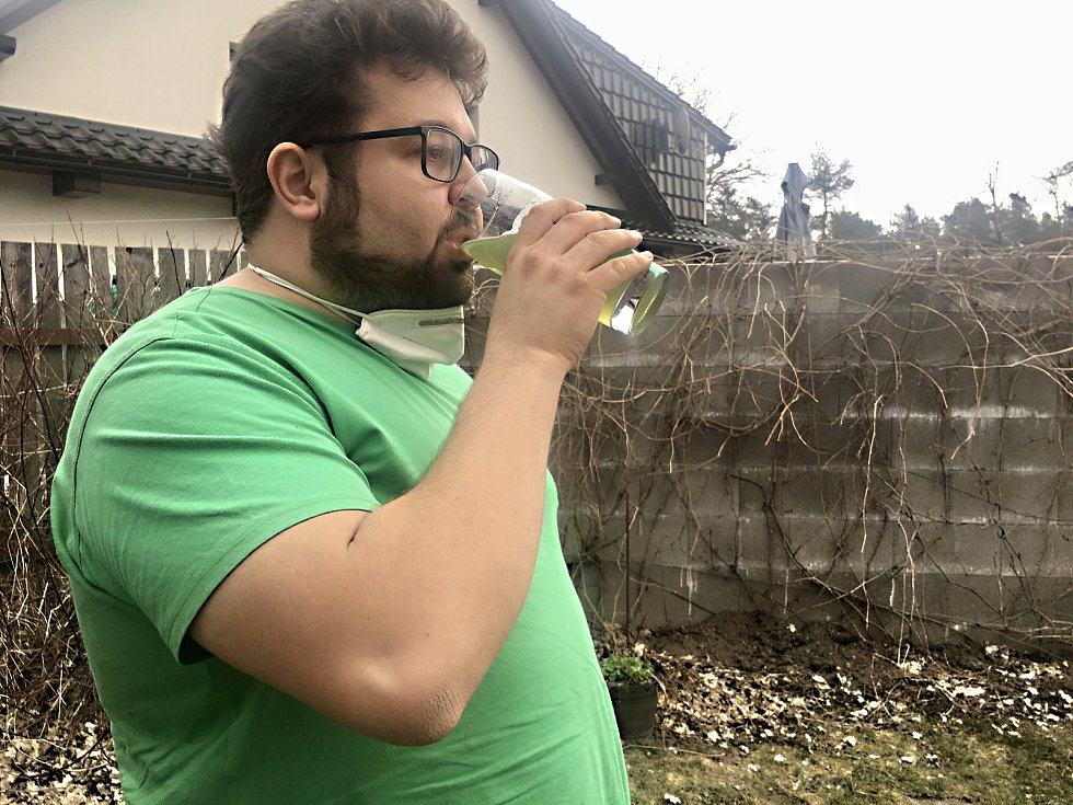 Zelené pivo se stalo fenoménem. Mnozí si bez něj Zelený čtvrtek už nedovedou představit.