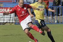 Ta se sezonou, první v MSFL, panuje ve fotbalové Třebíči (v červeném dresu Jiří Chlup). Nejhůře skončí sedmá.
