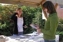 Proti chudobě ve světě může bojovat každý. Informace na toto téma poskytli obyvatelům Žďáru nad Sázavou členové Českého svazu ochránců přírody.