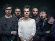 Kapela Zrní koncertuje ve žďárském klubu Batyskaf v sobotu 21. října od 21 hodin.