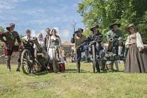 Šermířská a dělostřelecká představení z období třicetileté války budou součástí nedělního odpoledního vystoupení žďárské skupiny historického šermu Flamberg v Radňovicích.