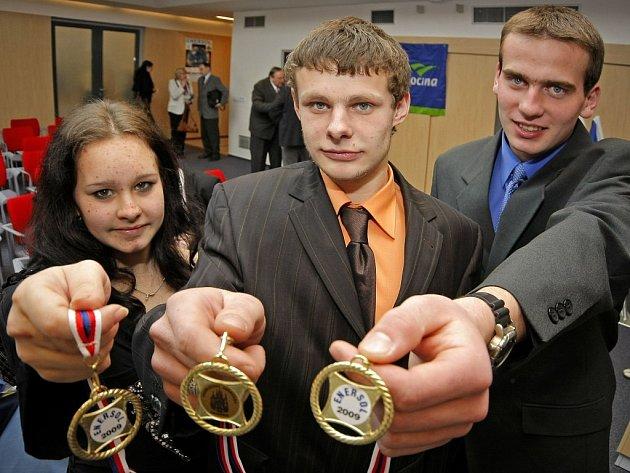 Do pátého ročníku soutěže Enersol 2009, jež se snaží přivést mládež k tomu, aby se zabývala myšlenku obnovitelných zdrojů energie, se přihlásilo 17 projektů.