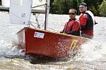 První prázdninový víkend na Velkém Dářku byl ve znamení bílých plachet. Na moři Vysočiny se utkali závodníci z celé České republiky.