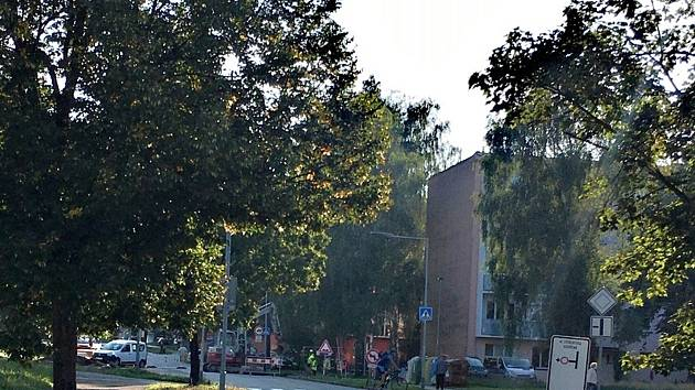 Dopravní peklo ve Žďáře. Podívejte se, uzavřeli hned tři ulice v jedné lokalitě