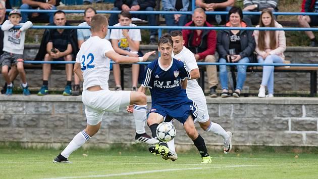 Fotbalisté Nového Města (v modrém), ilustrační foto
