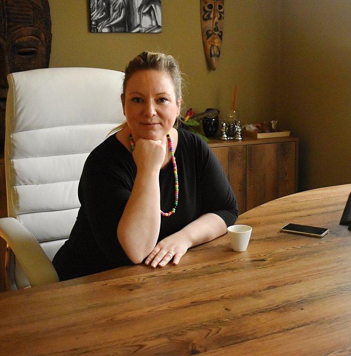 Majitelka masérského salonu Lenka Klimeš doufá, že se vše vrátí do starých kolejí.