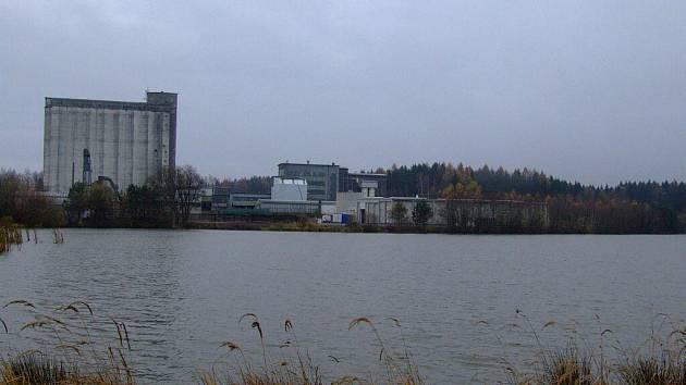 Vytříděný bioodpad míří do stanice, kde je pak zpracováván.