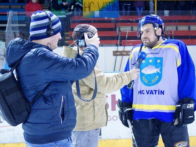 Kromě regionální televize byl na finále VHL ištáb ze serveru hokejka.cz. Vatínští měli co říct.