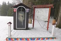 Historická zemská hranice byla nedaleko Sirákova obnovena v roce 2013.