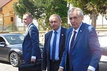 Poslední středeční zastávkou prezidenta Miloše Zemana při návštěvě Vysočiny byl Kadolec.