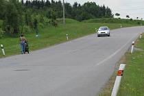 """Příští rok by měla být """"ještě novější"""". Pokud město tuto místní komunikaci vybaví parametry silnice první třídy, stát zaplatí přeložku silnice I/19 od Mělkovic."""