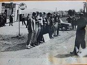 Pochod srdcem Vysočiny navazuje na někdejší Chiranskou padesátku, jež se poprvé konala v roce 1968 (na snímku). Letos došlo k obnovení tradice - bylo při tom kolem tisícovky výletníků, kteří vyrazili na trasy o délce od pěti do padesáti kilometrů.