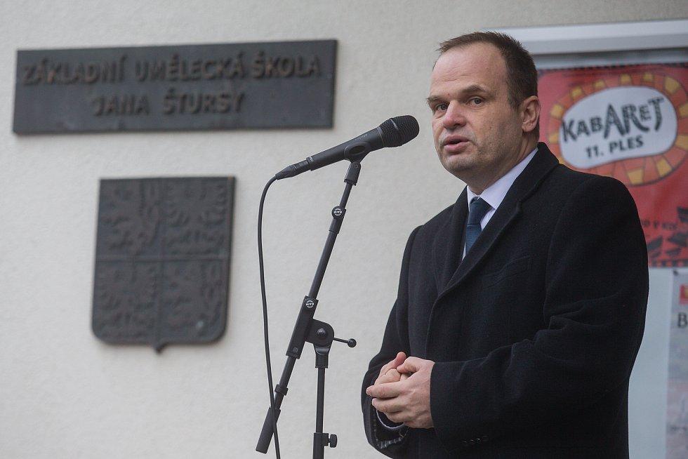 Slavnostní otevření ulice Bradyových v Novém Městě na Moravě. Na snímku starosta Nového Města na Moravě Michal Šmarda.