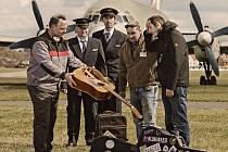 """""""Kdo vůbec neví, co to bluegrass je, měl by zhlédnout film """"Bratříčku, kde jsi?"""" s Georgem Clooneyem v hlavní roli. Je v něm detailně vylíčeno, jak vznikaly první bluegrassové nahrávky, film o bluegrassu hodně vypovídá,"""" říká Pepa Malina z kapely Monogram"""