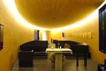 Při výběru architektů, kteří postaví nový svatostánek, se představitelé Černé rozhodli oslovit ateliér Ladislava Kuby a Tomáše Pilaře. Zvolili dobře, nová kaple byla v roce 2007 dokonce nominována na cenu Evropské unie za současnou architekturu.