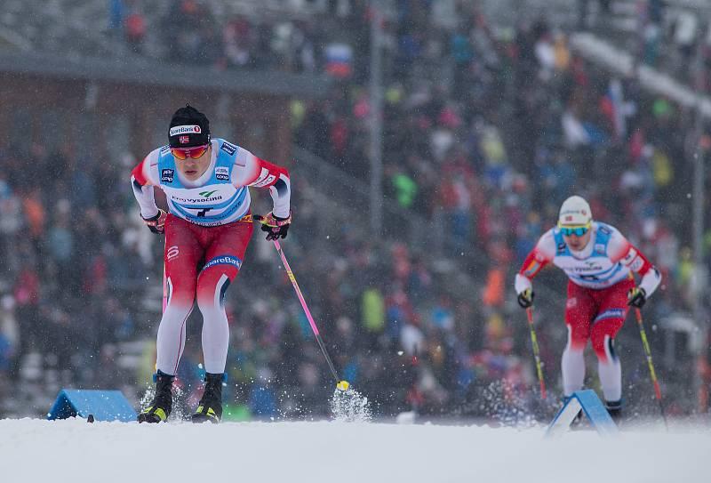Ohlédnutí za Zlatou lyží 2020. Johannes Hösflot Klaebo ve stíhacím závodu mužů na 15 km klasicky v rámci Světového poháru v běhu na lyžích.