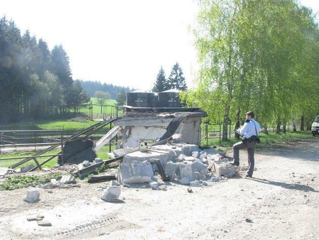 Příčina výbuchu byla pro zemědělce záhadou.