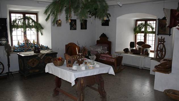 Na návštěvníky regionálního muzea čeká mimo jiné slavnostně vyzdobená selská světnice.