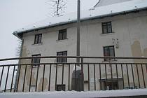 Pokud se Žďárským podaří získat dotaci, pustí se do rekonstrukce Moučkova domu již v příštím roce. Opravy by měly přijít na zhruba deset milionů korun.