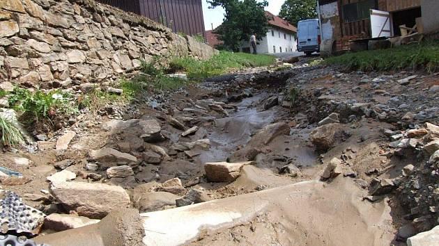 Velká voda v Rovném natropila spoušť ve stejném místě, jako loni.