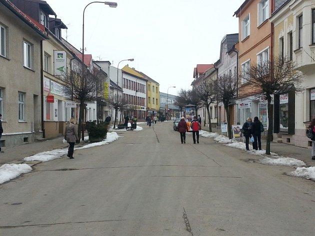 Úprava pěší zóny bude druhou fází revitalizace Nádražní ulice, do jejíhož konceptu má zapadnout.