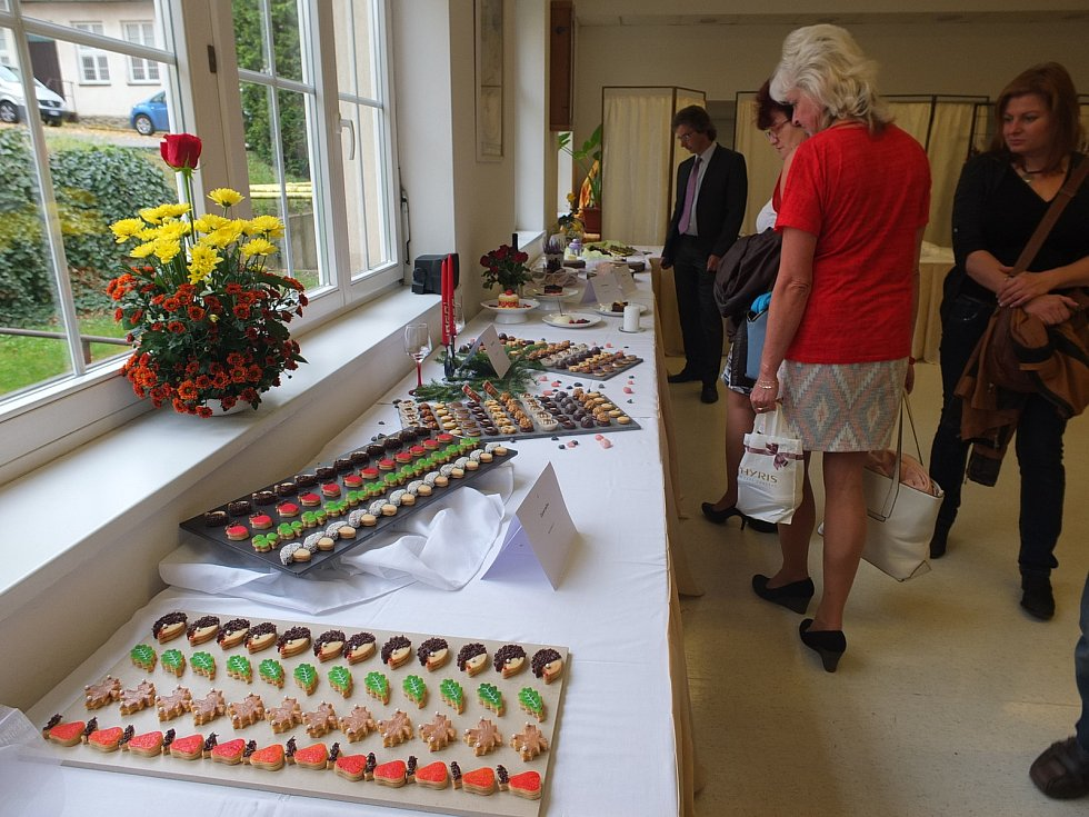 Gastronomická výstava nabídla mimo jiné ukázku cukrářských výtvorů, studených mís i slavnostních tabulí.