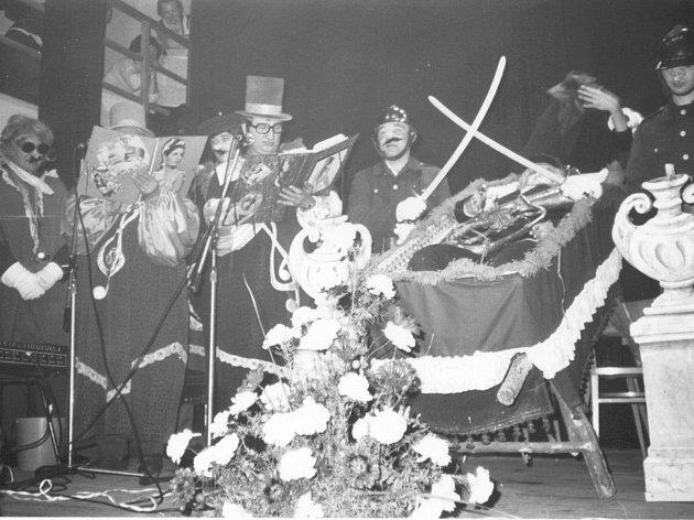 Masopust v Rozsochách na Bystřicku v 70. letech minulého století.