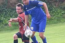 Béčko Hamrů (v modrém) zvítězilo ve 2. kole III. třídy na půdě Velké Losenice 1:0.