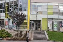 Po uzavření místního kina se filmová projekce přestěhovala do velkého sálu kulturního domu.