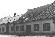 Přestavěná budova n.p. GALA, rok 1956.