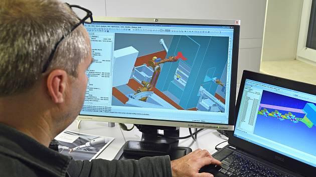 Jednou z českých firem, jež mají zájem o účast na vývoji Mezinárodního termojaderného experimentálního reaktoru, je i žďárská inženýrská společnost DEL.