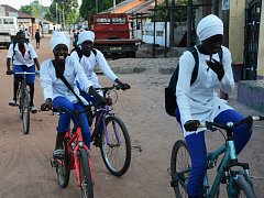 Z České republiky už putovalo do Afriky přes šest tisíc jízdních kol.