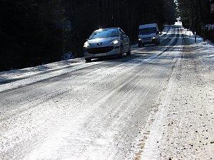 Silnice jsou plné ledu, o výjimku v solení zatím nikdo nežádal