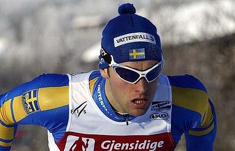 Jorgen Brink při závodě ve švédských barvách.