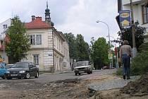 Po opravách v ulici Nečasova dojde nejenom ke změně přednosti v jízdě na křižovatce U Pasáčka, ale na řidiče čekají retardéry před vjezdem do náměstí.