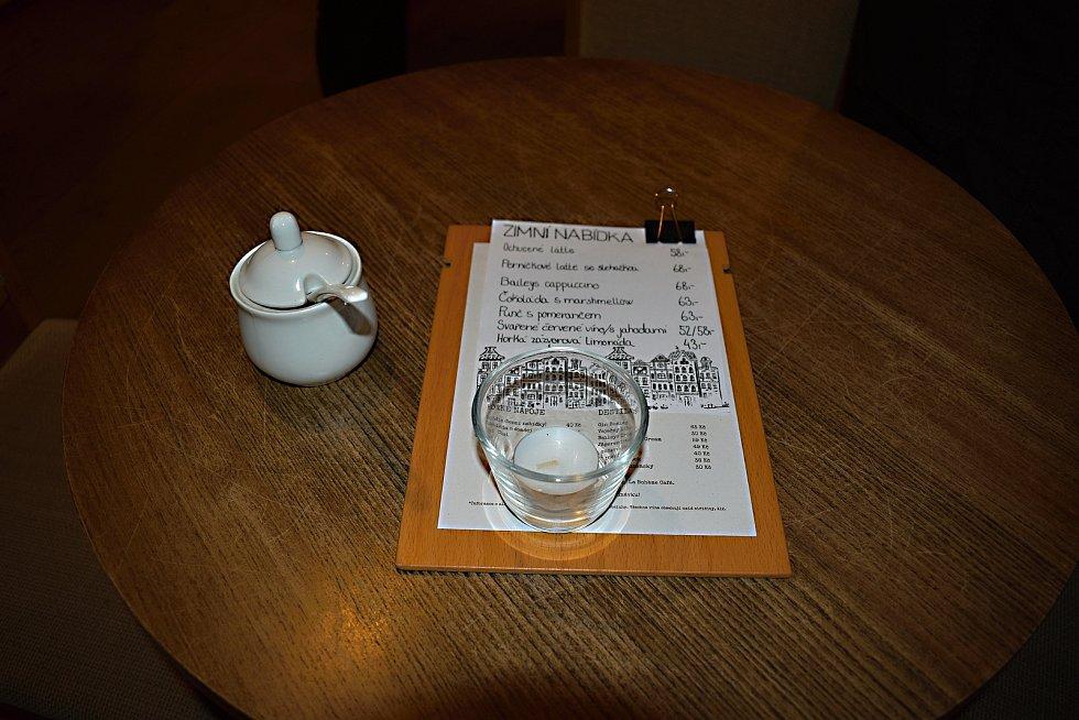 Horký nápoj v adventním čase může přinést i výhru v soutěži.