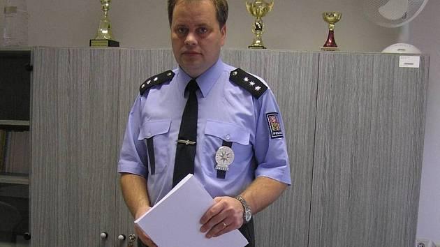 Teprve po sjednocení územně samosprávných celků s policejními obvody by podle Libora Černého bylo zavedení projektu Community policing seriozní.