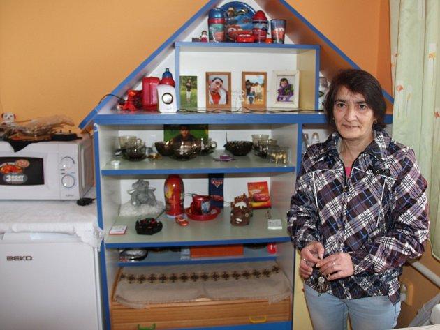 Pro Ivetu Richtrovou (na snímku) je azylovým dům opravdovým domovem. Bydlí v něm i se svými dvěma dětmi, čtrnáctiletou dcerou a osmiletým synem. V Ječmínku strávili i vánoční svátky.