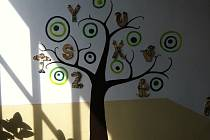 Žáci a učitelé ze Základní školy v Měříně mají k dispozici keramickou dílnu už deset let.